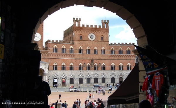 Siena-by-Jean-Ponchiroli_2